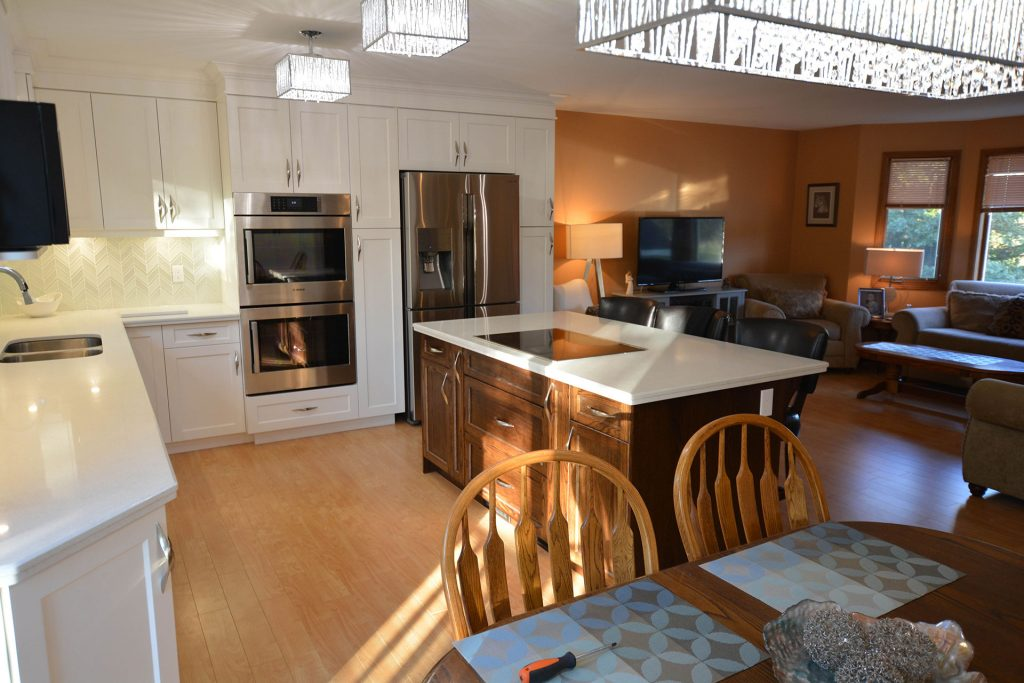 Kitchen Island or Peninsula For Your Kitchen